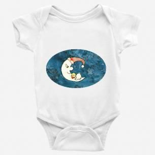 bebé acunado por la luna