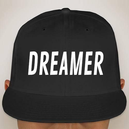 https://media3.positivos.com/55523-thickbox/dreamer.jpg